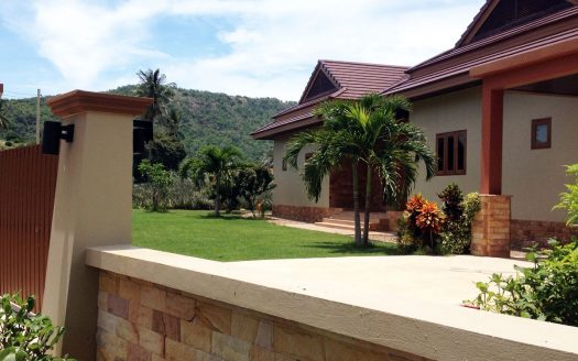 Bali Pool Villa for Sale in Pranburi near Khao Tao