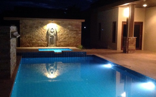 Salt water pool and Jacuzzi with water fall - Bali Pool Villa for Sale in Pranburi