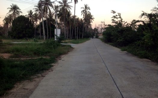 land for sale in Pranburi with paved roads with 3 phase power and city water
