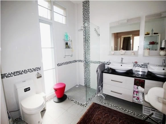 Luxury Hua Hin Pool villa for rent Bathroom
