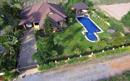 Tropical pool villa for sale in Pranburi