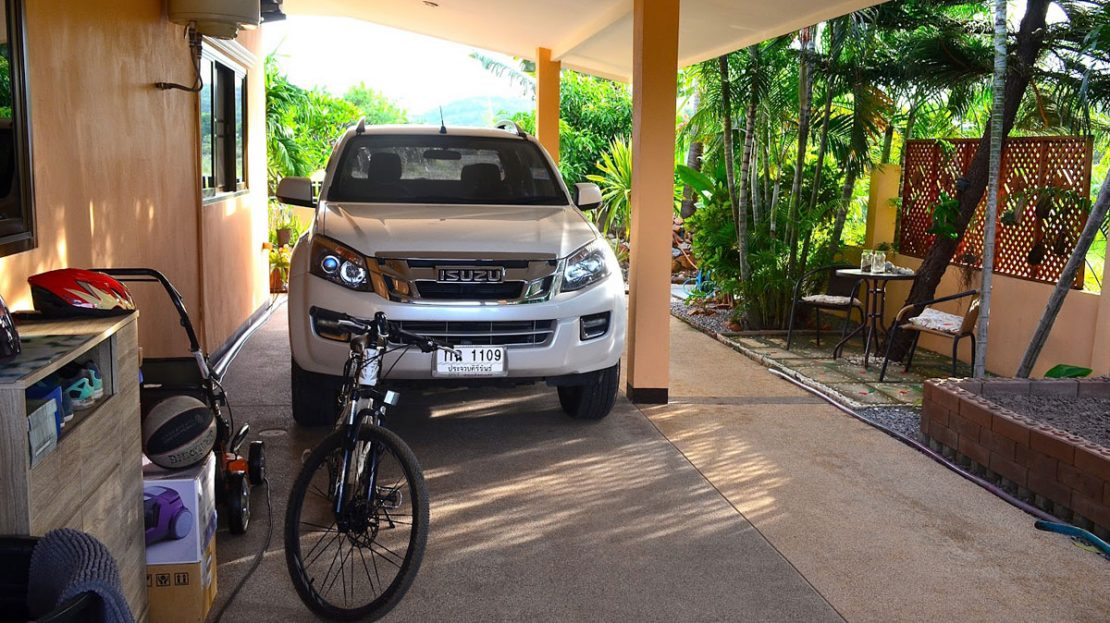 2 car carport - Tropical pool villa for sale in Pranburi