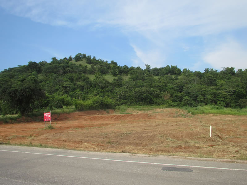 Mountain view land for sale suitable for resort near Banyan Golf Course