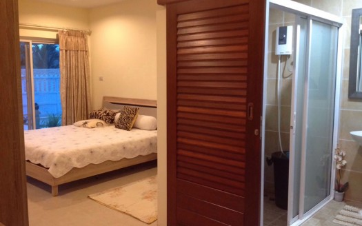 Bedroom and bathroom at Pranburi resort pool home for sale
