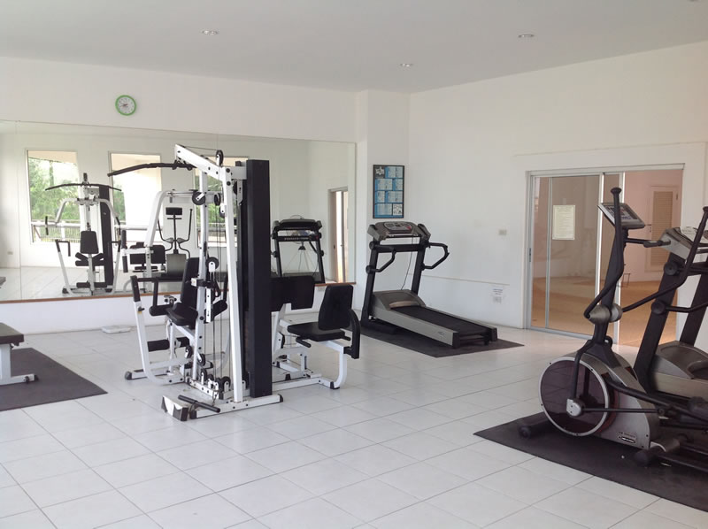 [:en]Hua Hin condo for rent at Khao Takiab beach Fitness center[:th]Fitness center at Jamchree condo in Khao Takiab[:de]Fitness center at Jamchree condo in Khao Takiab[:]