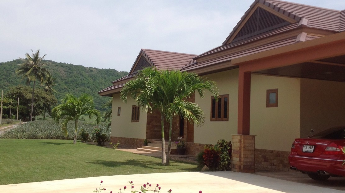 Tropical mountain view pool villa in Pranburi Thailand