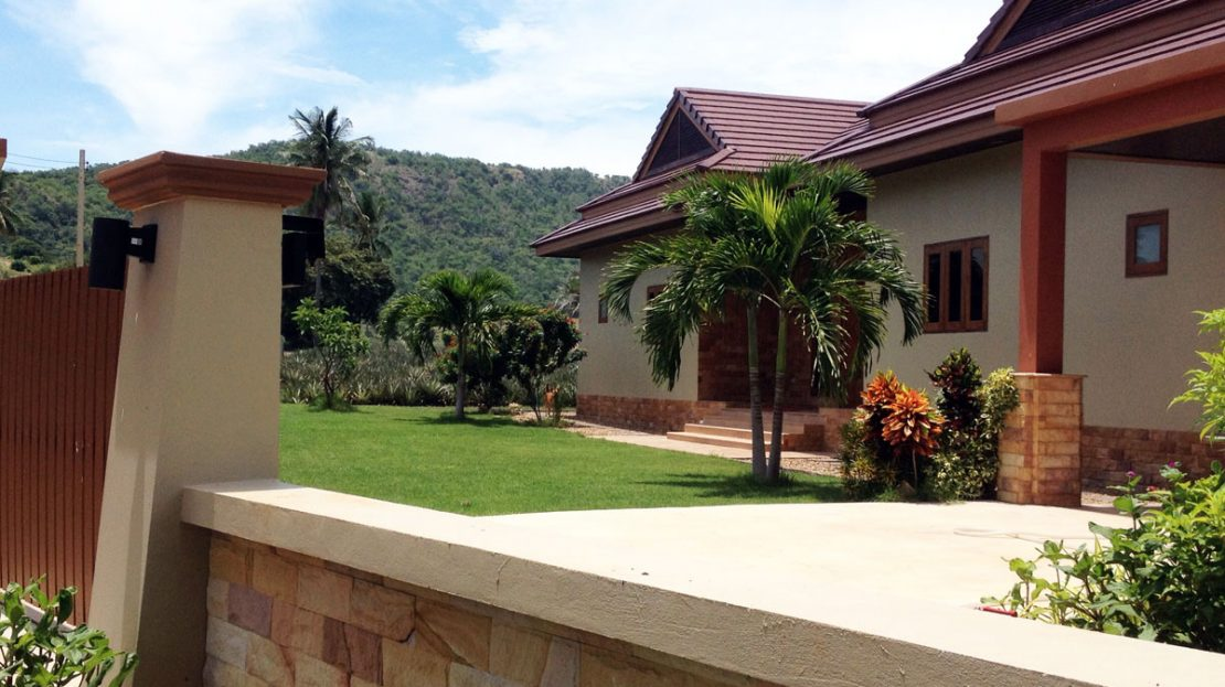 Bali Pool Villa for Sale in Pranburi near Khao Tao