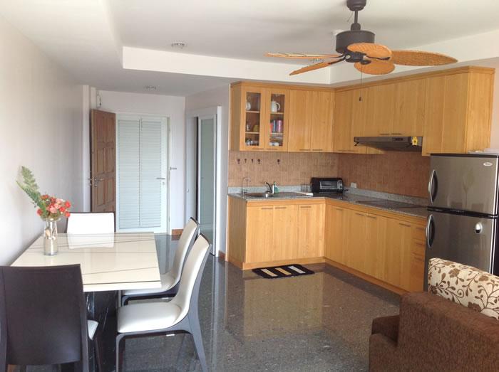 [:en]Hua Hin condo for rent at Khao Takiab beach kitchen and dinning area [:th]Kitchen and dinning area of Jamchuree Condo for rent[:de]Kitchen and dinning area of Jamchuree Condo for rent[:]