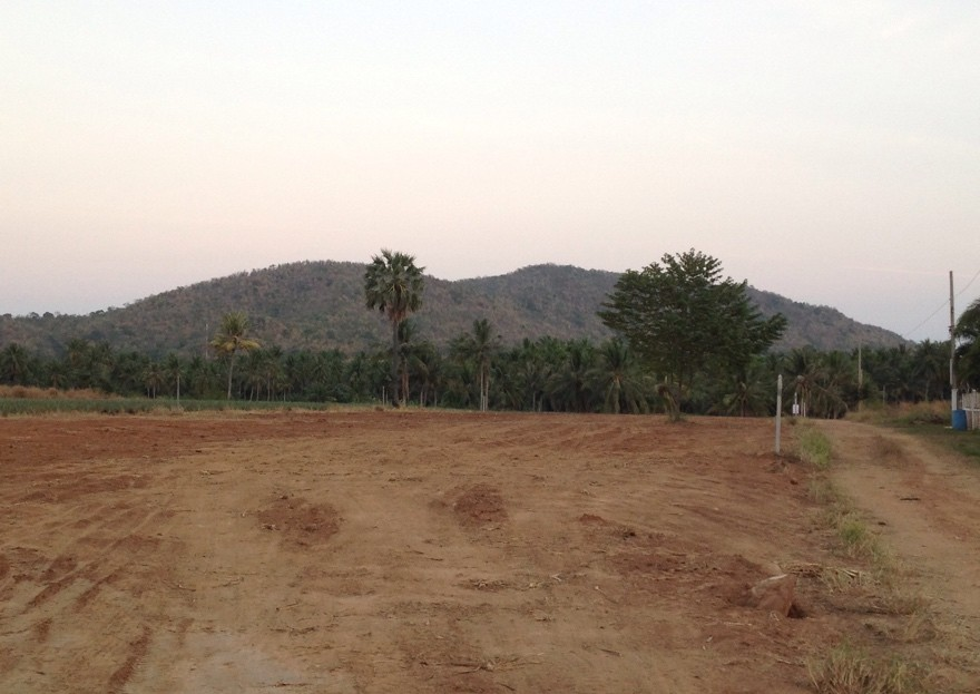 [:en]Perfect size land lots for sale in Pranburi with mountain views[:]