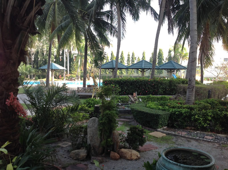 [:en]Jamchuree gardens in Hua Hin condo for rent at Khao Takiab beach[:th]Jamchuree condo gardens in Hua Hin[:de]Jamchuree condo gardens in Hua Hin[:]
