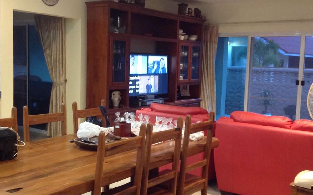 [:en]Pranburi 2 bedroom resort home living room and dinning room[:th]Pranburi resort home living room and dinning room[:de]Pranburi resort home living room and dinning room[:]
