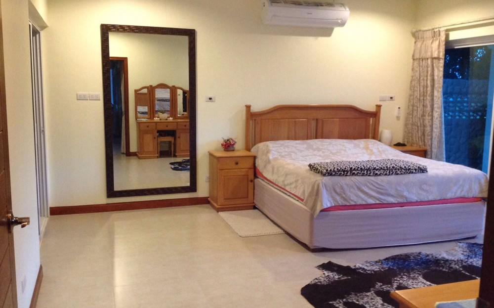 [:en]Master bedroom of Pranburi 2 bedroom resort home[:th]Master bedroom of resort home for sale in Pranburi[:de]Master bedroom of resort home for sale in Pranburi[:]