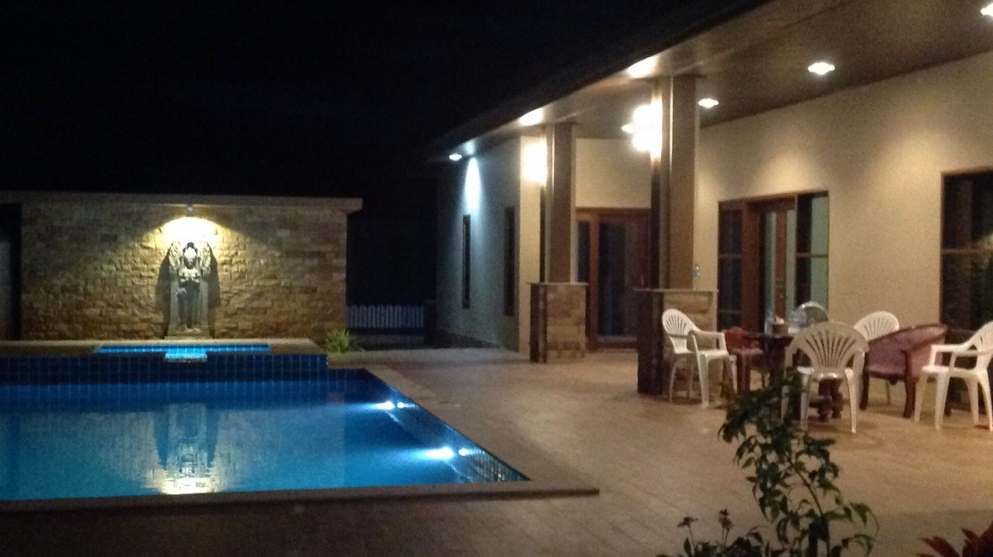 [:en]Bali Pool Villa for Sale in Pranburi Night view [:th]Night view pool villa in Pranburi Thailand[:de]Night view pool villa in Pranburi Thailand[:]