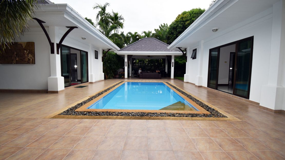 [:en]Hua Hin Pool Villa for Sale Pool view[:th]Pool view at the Heights 2 in Hua Hin[:de]Pool view at the Heights 2 in Hua Hin[:]