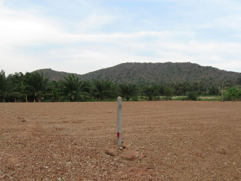 Pranburi commercial land for sale - View to back of land