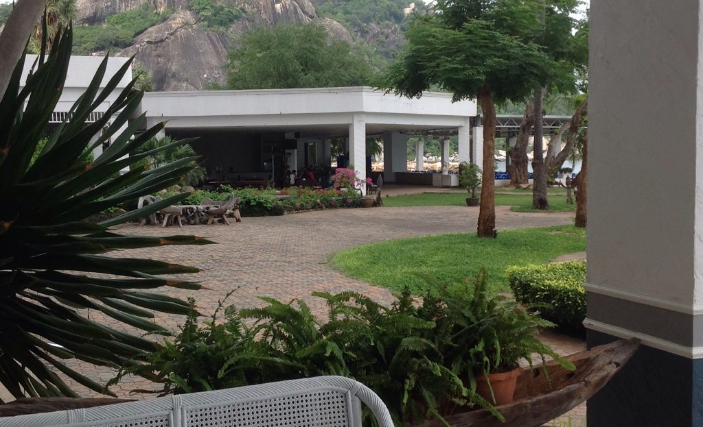 [:en]Khao Tao beach front condo for rent has a beach front sea food restaurant on site[:th]Beach front sea food restaurant[:de]Beach front sea food restaurant[:]