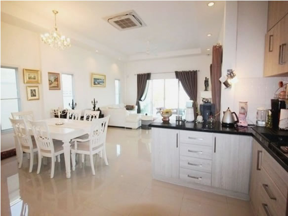 Luxury Hua Hin Pool villa for rent kitchen