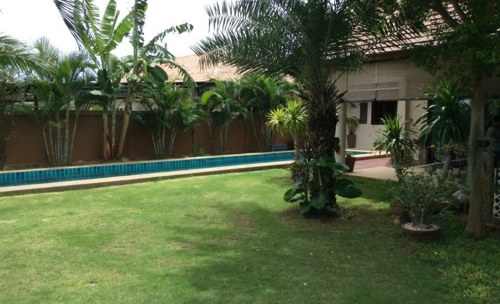 Poolside Villa close to Beach for Sale