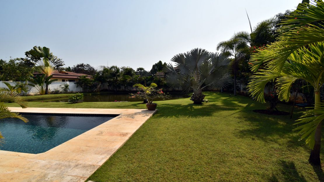 Pool and Garden - Bali Pool Villa Sale Khao Kalok